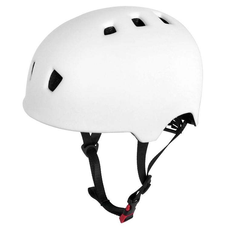 High Quality Skateboard Helmet 3