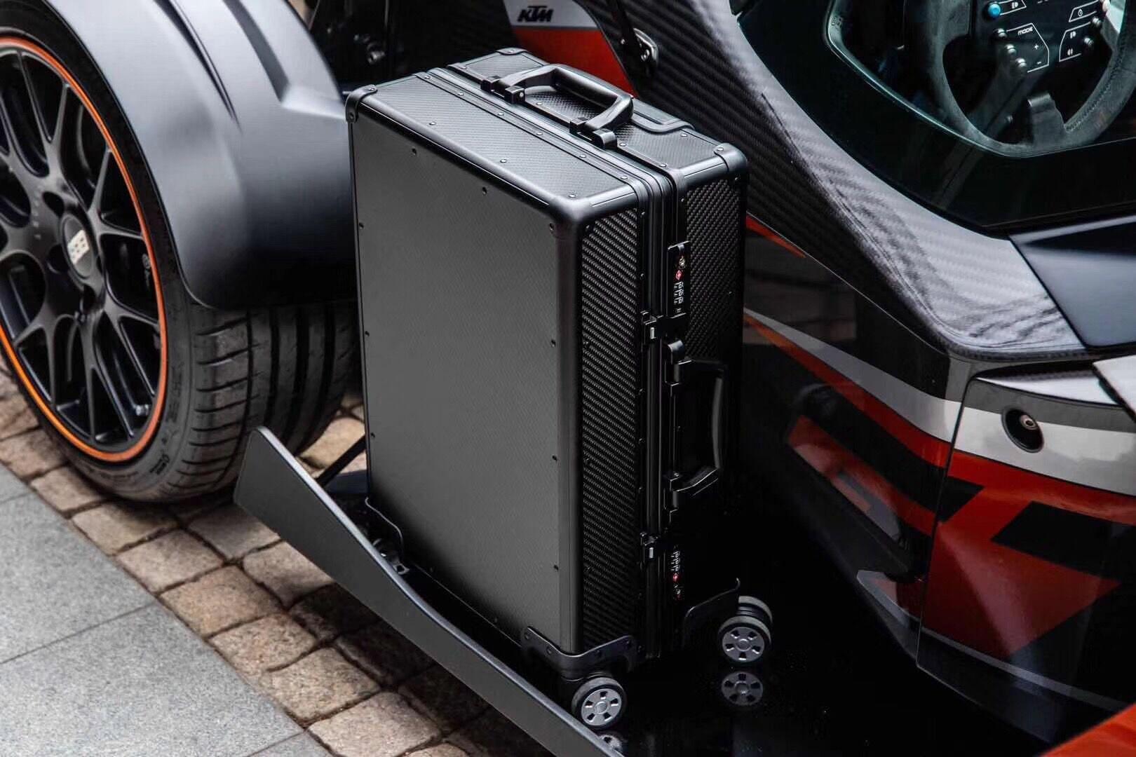 Carbon Fiber Suitcase CS01 Details 13