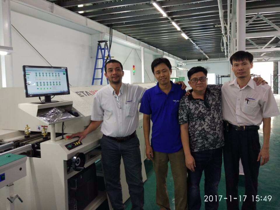 Medium Size Automatic Reflow Oven SMT Reflow Soldering Machine for LED Bulb Assembly Line 37