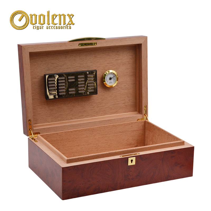 High End Luxury Cedar Wood Cigar Humidor with Cigar Accessories