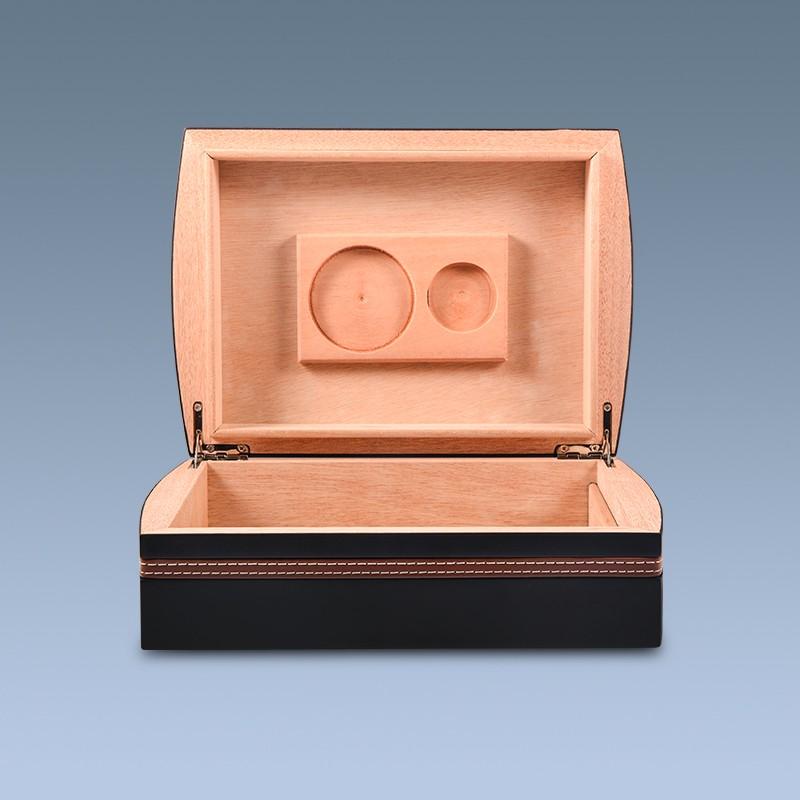 Black-matt-wooden-cigar-box-with-accessories