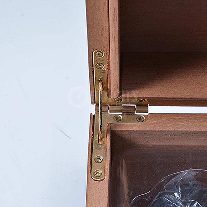 Matt-finish-cigar-wooden-cigar-accessories-set