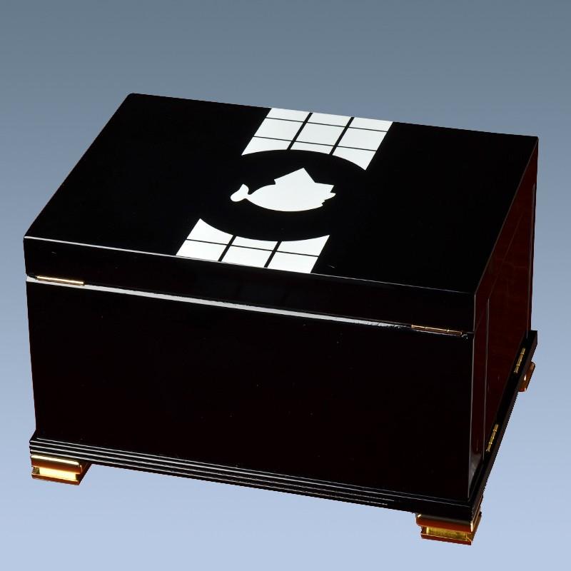 Piano finish wooden display humidor box cigar