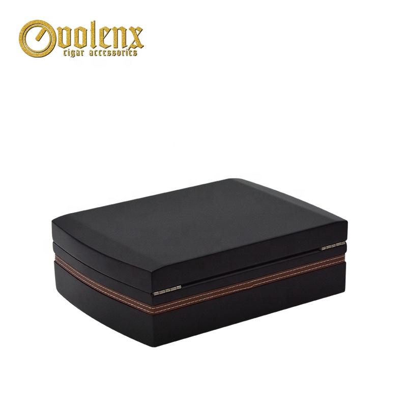 Customised-Luxury-Dark-Wood-Cigar-Box-with