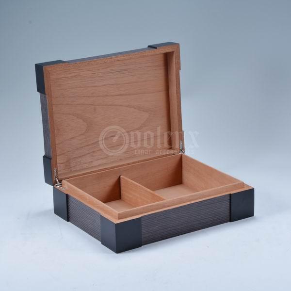 handmade-wooden-veener-high-end-cigar-box