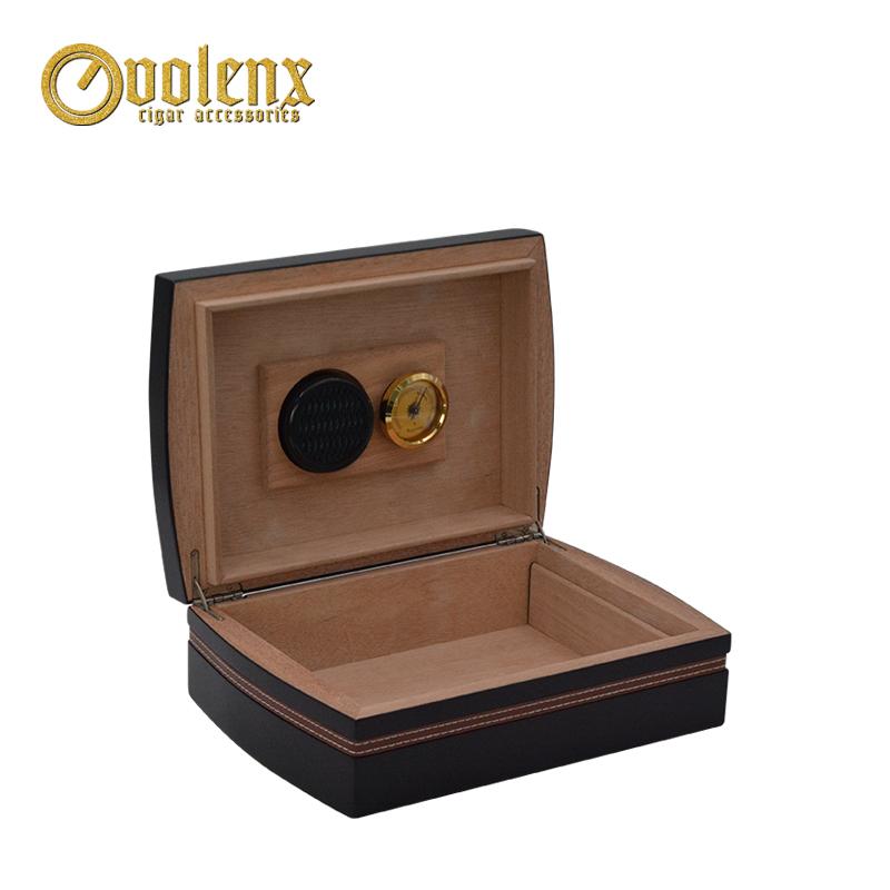 Unique-Design-Mahogany-Finished-Humidor-Box-with