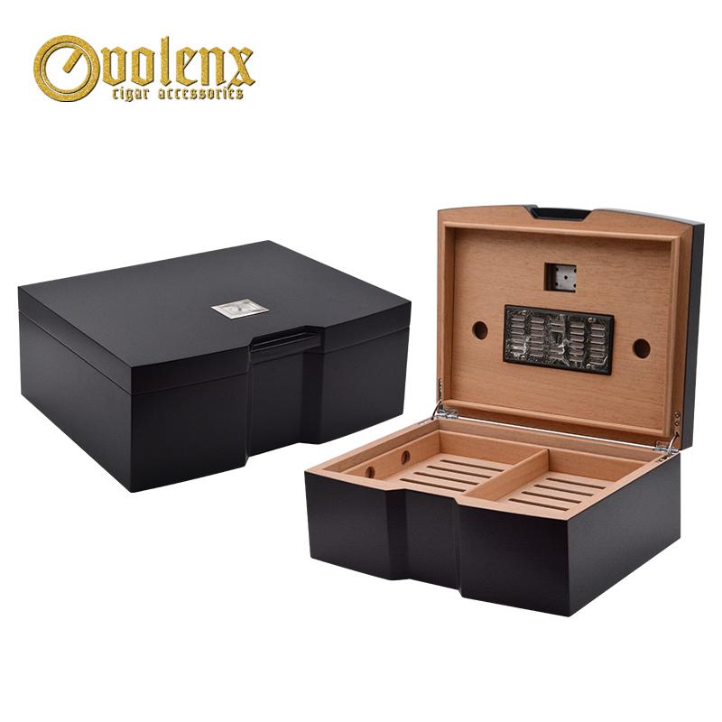Wholesale Black Spanish Cedar Wooden Cigar Cabinet Humidor