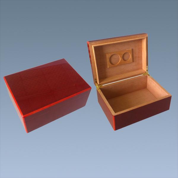 Custom-Wooden-High-Gloss-Cigar-Box-Packaging