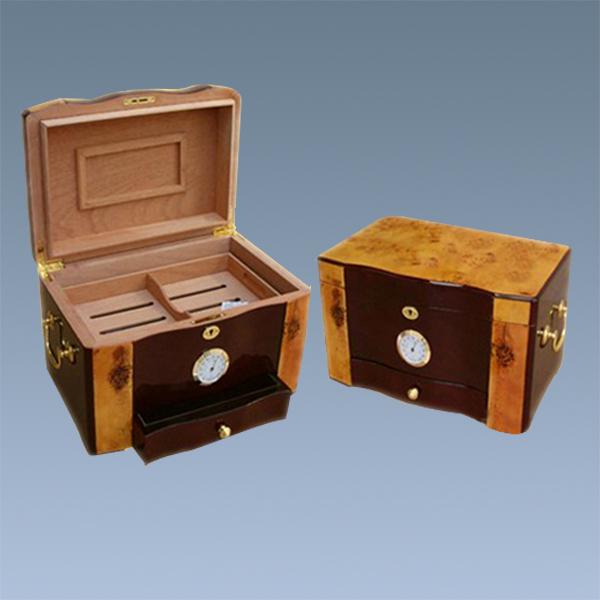 Wooden-Pyramid-Cigar-Humidor-Cabinet-Shape-Spanish