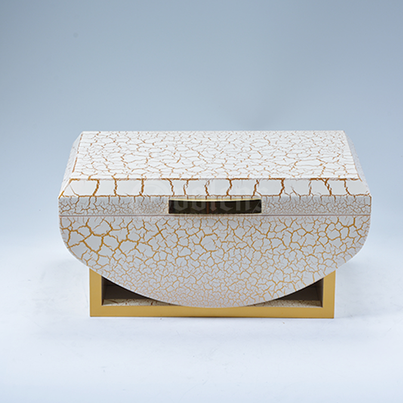 Custom White Luxurious Lacquer Wooden Cigar Display Humidor Box
