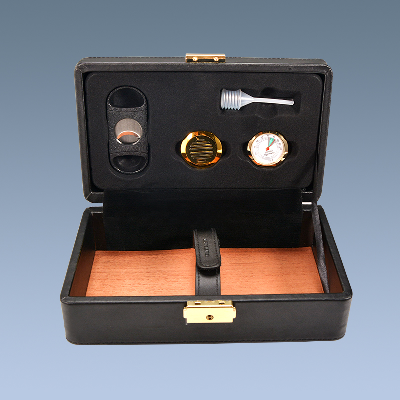 Handmade-Leather-Surface-Wooden-Inside-Cigar-Accessories