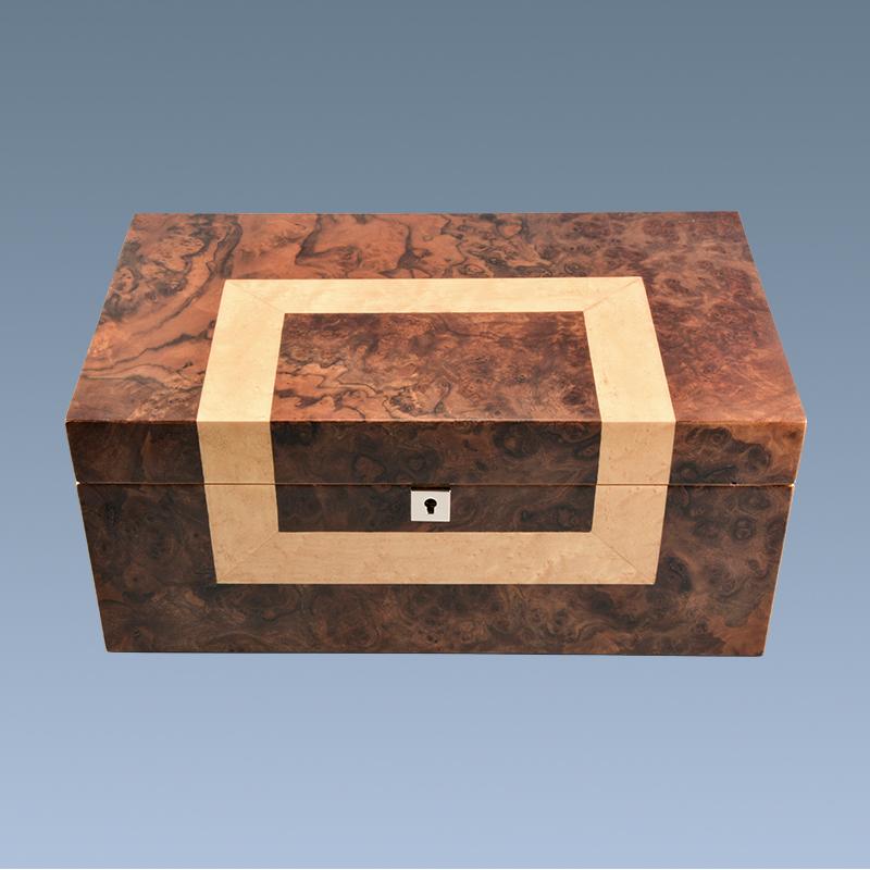 Custom-Modern-Luxury-Empty-Wooden-Cigar-Display