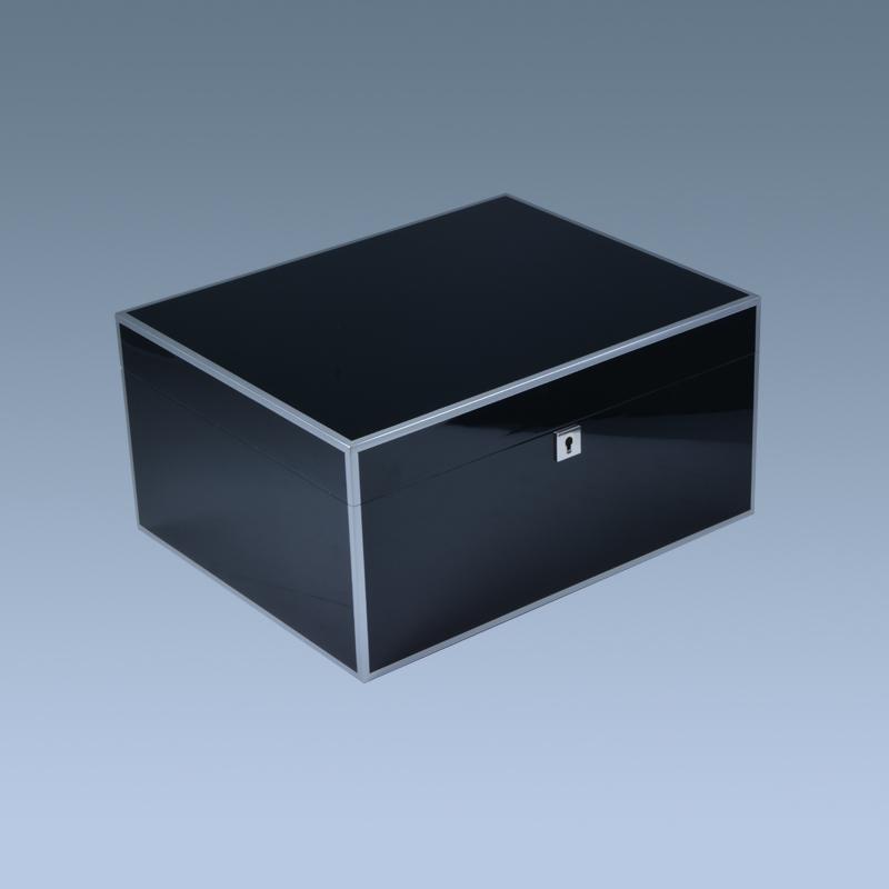 Custom-Luxury-Black-Wooden-High-Gloss-Cigar
