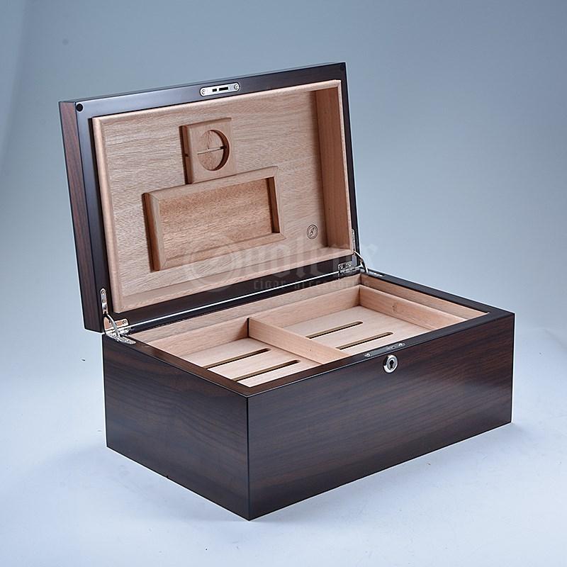 Factory Custom Leather Black Travel Cigar Humidor for 6 cigars 21