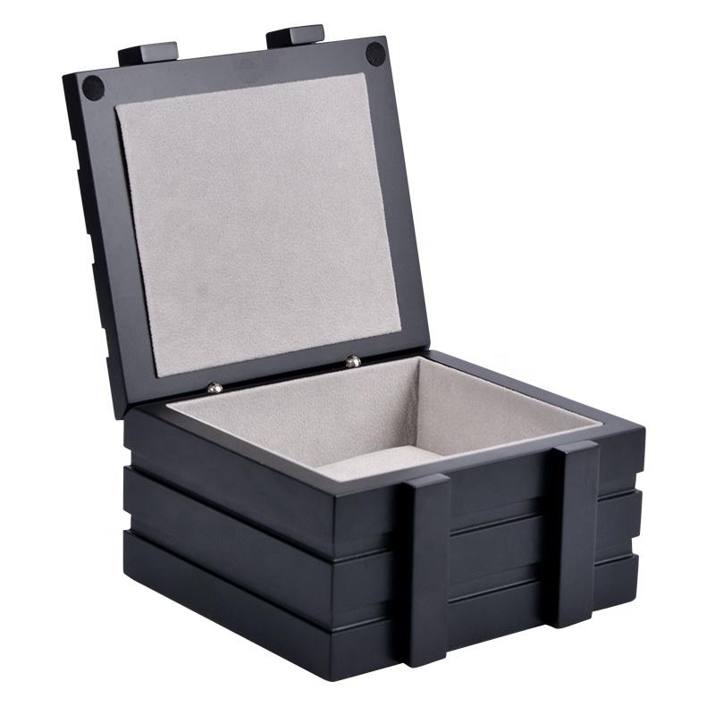 2019 wholesale black customize luxury small wood watch box
